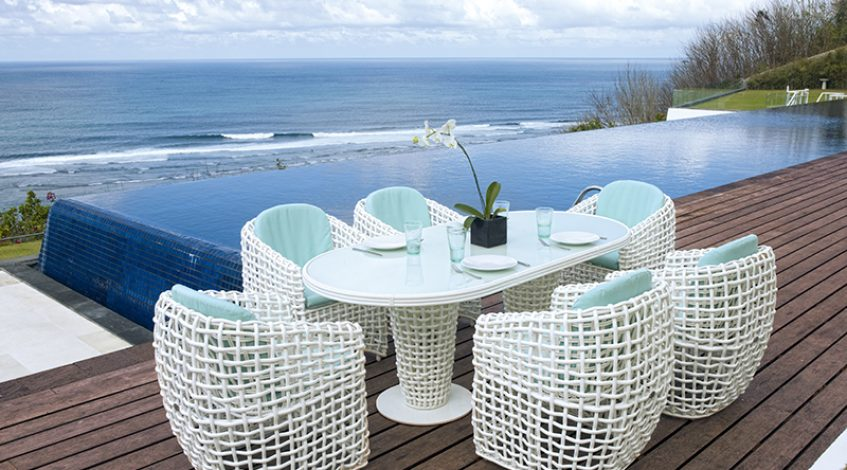 Comedor exterior: muebles y decoración en terrazas y porches.