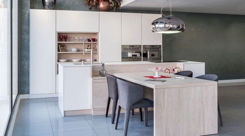 Vas a reformar tu cocina: azulejos y suelo nuevos, iluminación, electrodomésticos y accesorios... Y una de las cosas más importantes: Comprar muebles de cocina nuevos!  A la hora de elegir cuando vas a comprar muebles de cocina nuevos tendrás que tener en cuenta varias cosas. Una vez que tenemos claro el estilo y los colores, pensaremos en el tipo de armarios, funcionalidad y almacenaje. Además de tener en cuenta el material y color de la encimera. Hay que pensar donde colocaremos los electrodomésticos. Y la situación del fregadero. Así tendremos definidos los espacios y los tipos de muebles que necesitamos. Con todo esto, podemos elegir los nuevos muebles para la cocina. Y por eso, en el post de hoy de nuestro blog os traemos la inspiración de nuestro Catalogo de Muebles de Cocina en Madrid.